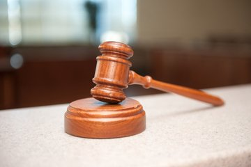 gavel to use for guilty and not guilty suspect